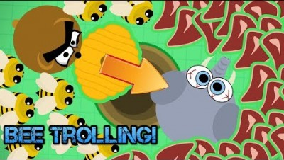 Mope.io PUSHING ANIMALS OUT OF HOLES WITH BEEHIVES!!! DESTROYING TOP TIER ANIMALS WITH BEES!