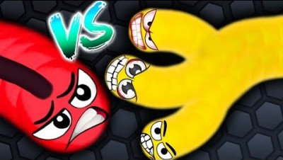 Slither.io - BAD SNAKE vs HACKER SNAKE! // Slither.io World Record (Slitherio Funny Moments!)