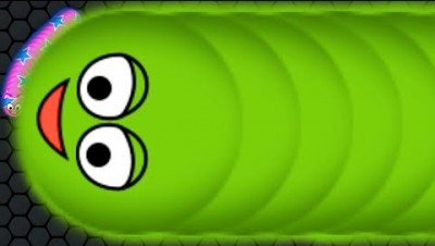 Wormate.io 1 Giant Monster Worm vs. Tiny Invasion Worms Epic Wormateio Gameplay Best Trolling!